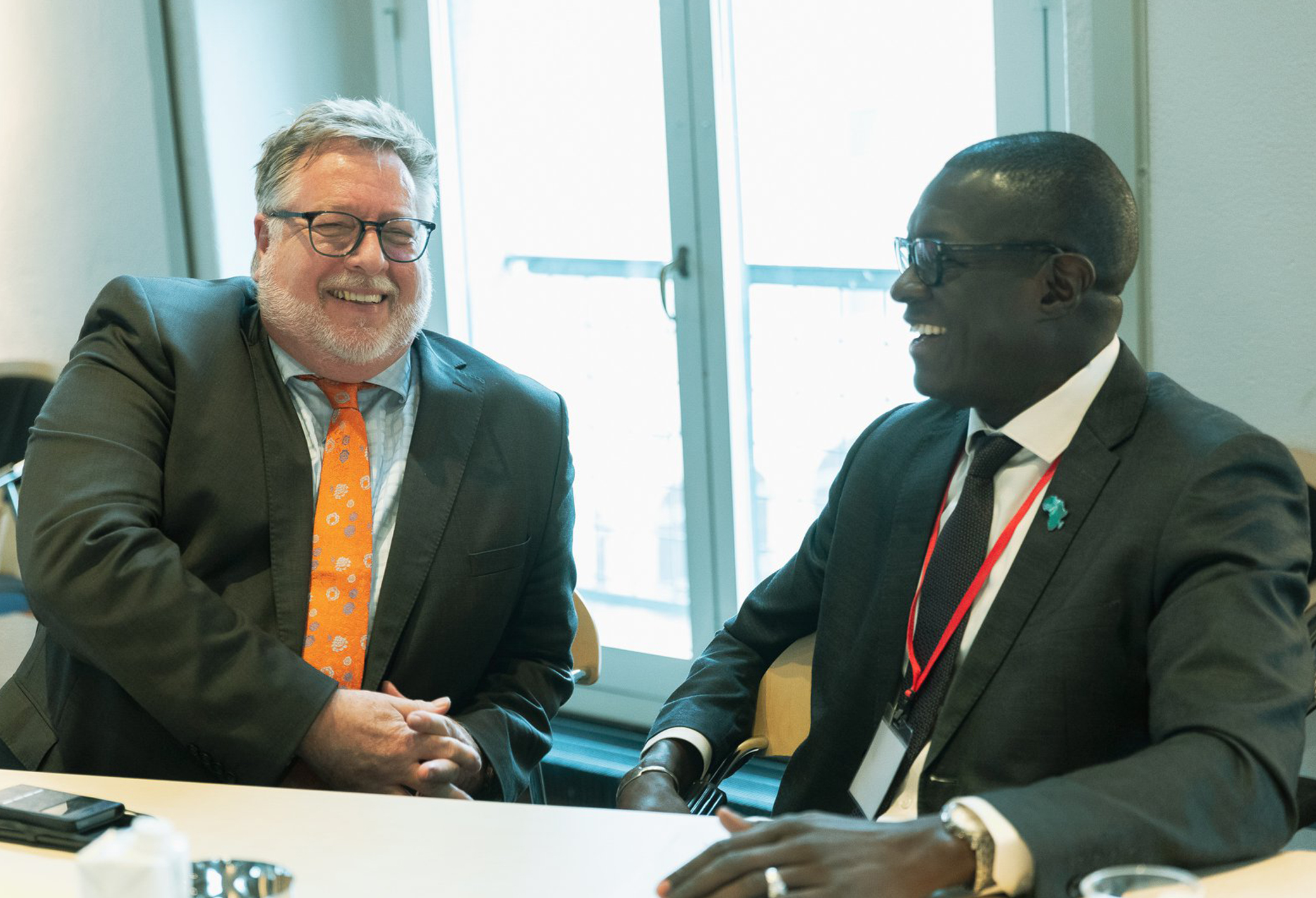Beer Schröder, Advisor to the Nuffic Board of Directors, and Dr Cheikh Mbow, Director of START International, this year's Danida Alumni Prize recipient. The Donor Harmonisation Group Forum was initiated by Beer Schröder in 2010. Photo: Crawfurd Media.