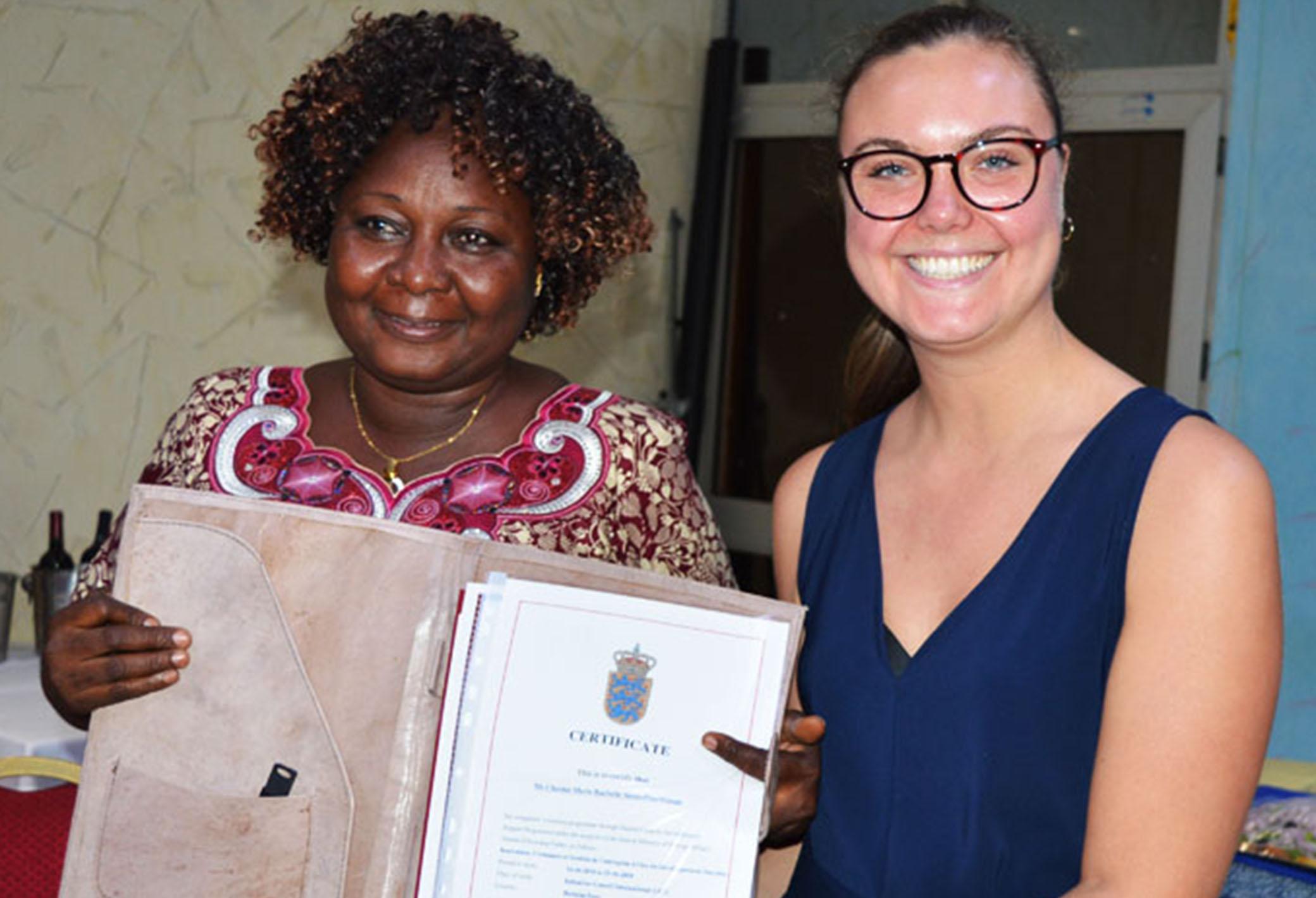"From the course:  ""L'innovation et croissance de l'entreprise à l'ère du développement durable"" in Burkina Faso. To the left Ms Zara Olivia Amandine Ouangraoua/Ye and to the right Programme Coordinator Ms Lærke Damsø-Jørgensen"